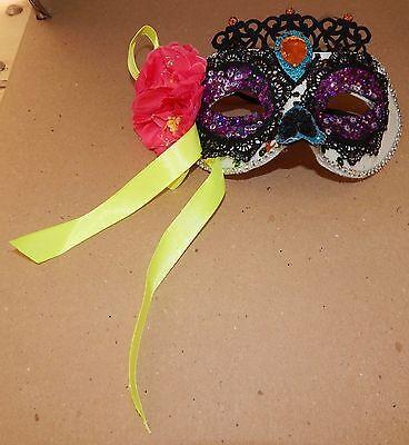 Halloween Costume Half Mask Adult Stiff Molded Queen White Sequin Flowers 118K (118 Halloween Costumes)