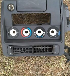 Ford xh xr stereo surround and ashtray Muswellbrook Muswellbrook Area Preview