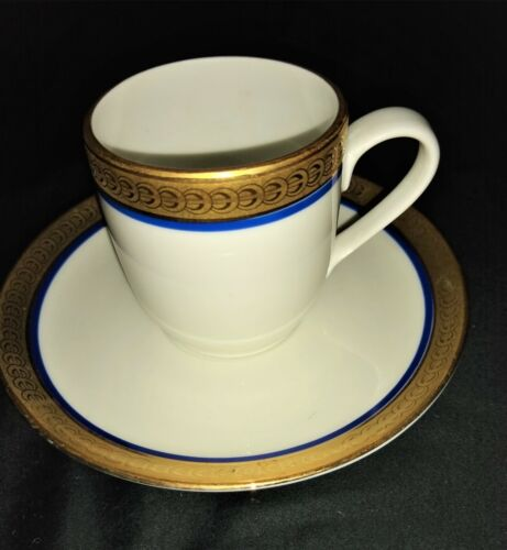 RICHARD GINORI DEMITASSE 9 CUPS & 7 SAUCERS UNOWN PATTERN