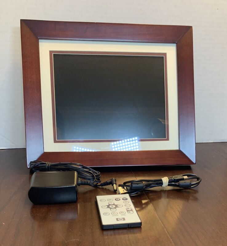 HP df1000a3-16 10.4-Inch Digital Picture Frame Sold Wood
