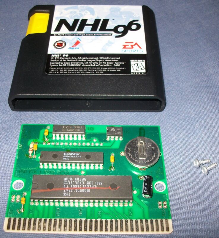 EXAMPLE OF AN ORIGINAL BOARD TAKEN FROM MY COPY OF NHL96, ORIGINAL CHIPS AND BACK UP BATTERY ALL PRESENT.