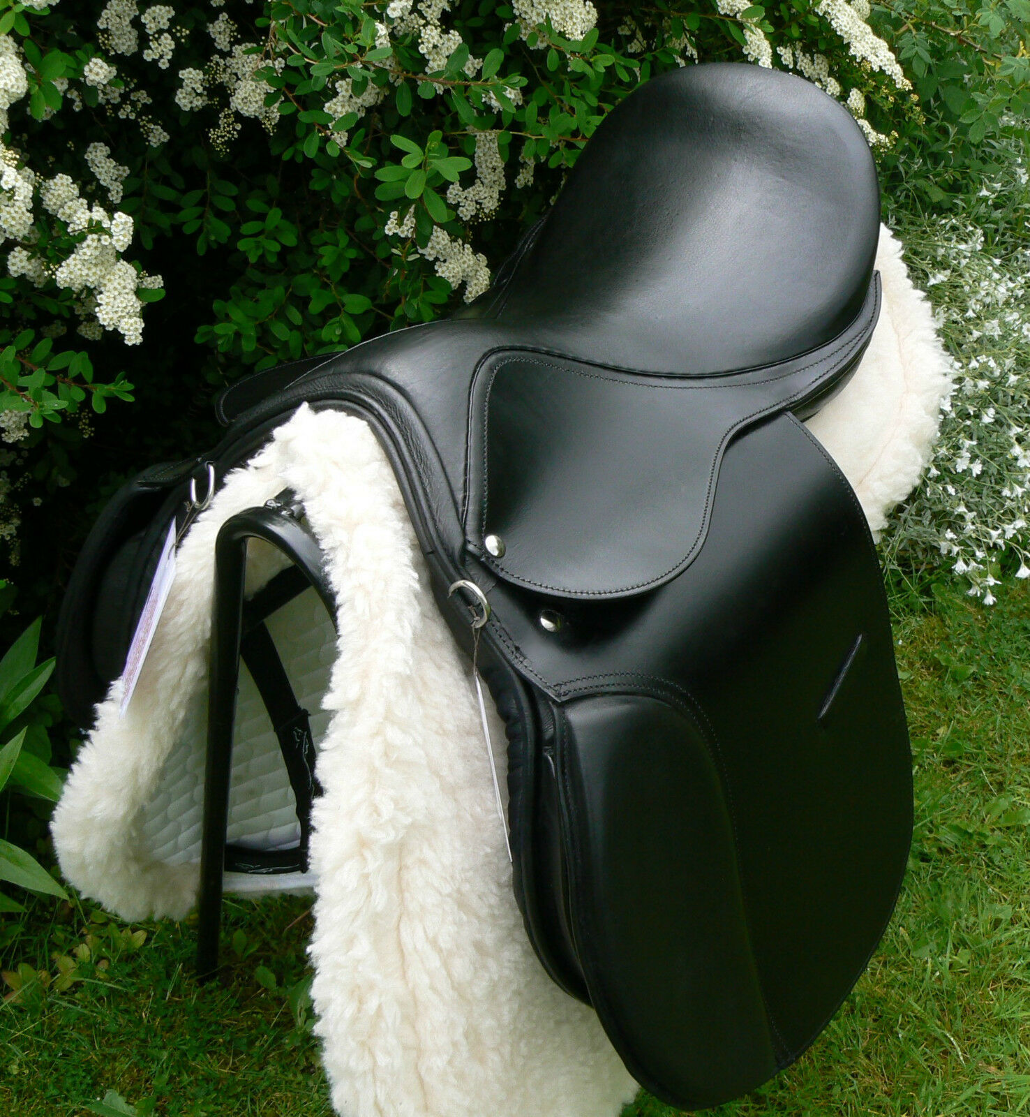 Top value D FLEX COB GP leather saddle especially designed for rounder breeds