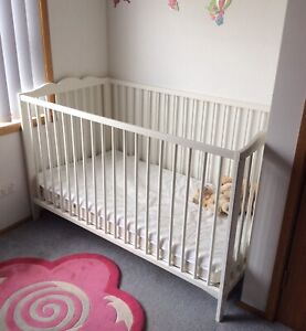 Cot and mattress excellent condition!
