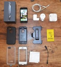 iPhone 5 - 16GB w/ FREE Otterbox Defender & Lifeproof NUUD cases North Manly Manly Area Preview