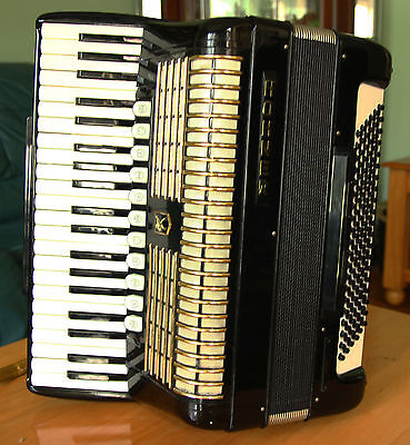 Beautiful Hohner Accordion With Hard Case,  Excellent Condition 120 Bass