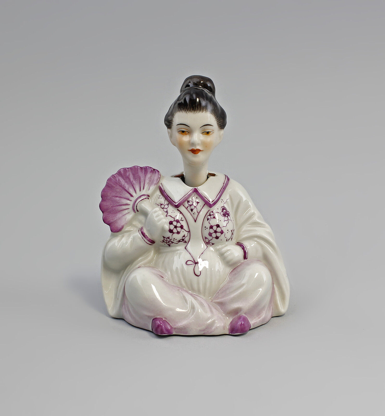 GUSTAV OPPEL C.PAGODE Chinese Woman Kämmer-Porcelain H12CM a3-44286