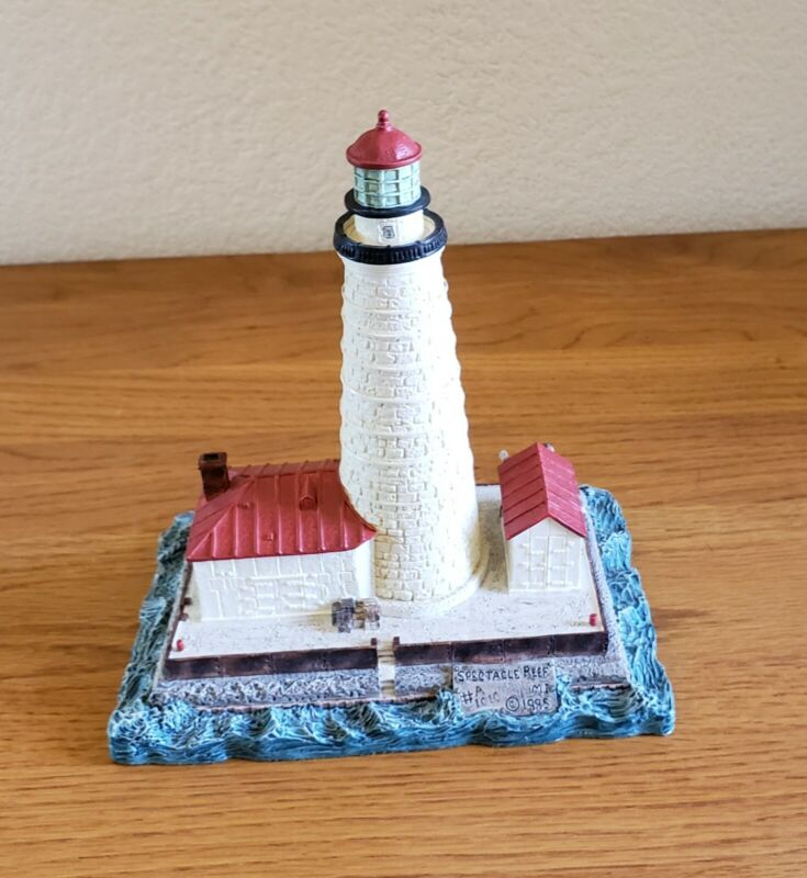 """Harbour Lights  """"Spectacle Reef"""" Michigan Lighthouse, #410, 1995 FREE SHIPPING"""