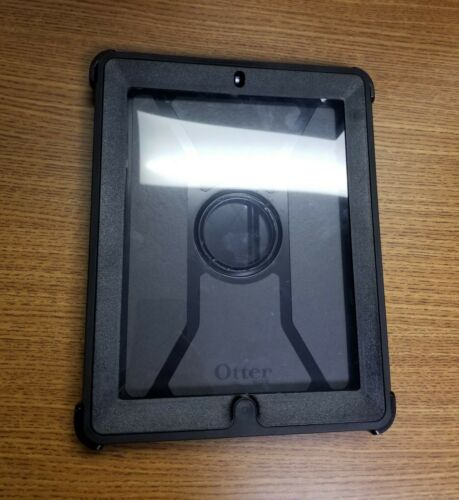 iPad 4 OtterBox Defender Series w Protective Screen Black - Used - Free Shipping