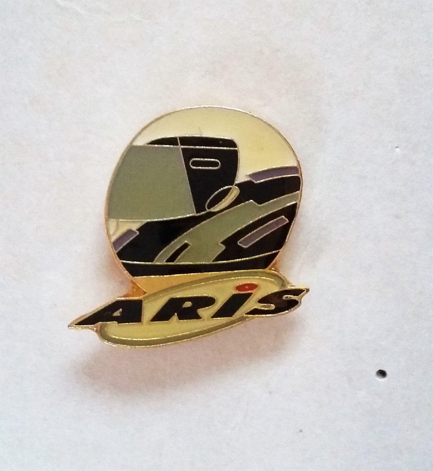 Pins  pin's compétition casques aris sport moto