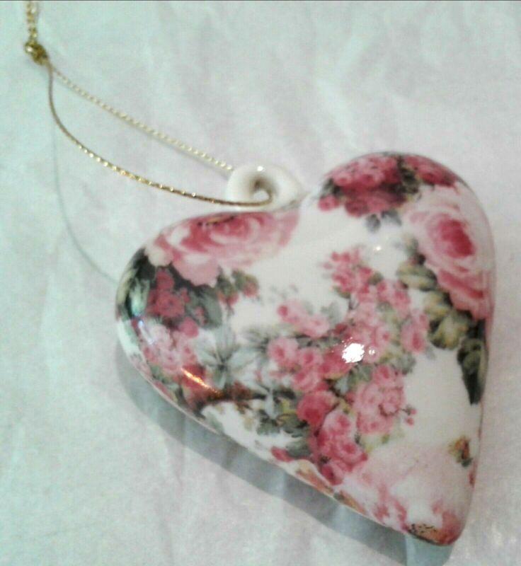 """Porcelain Blown Glass - Multi Rose Floral Heart Shape 2"""" x 2.5"""""""