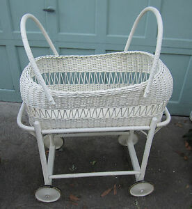 Vintage White Wicker Baby Bassinet Bed Crib Wood Stand W
