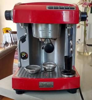 Sunbeam EM 6910 semi professional espresso machine