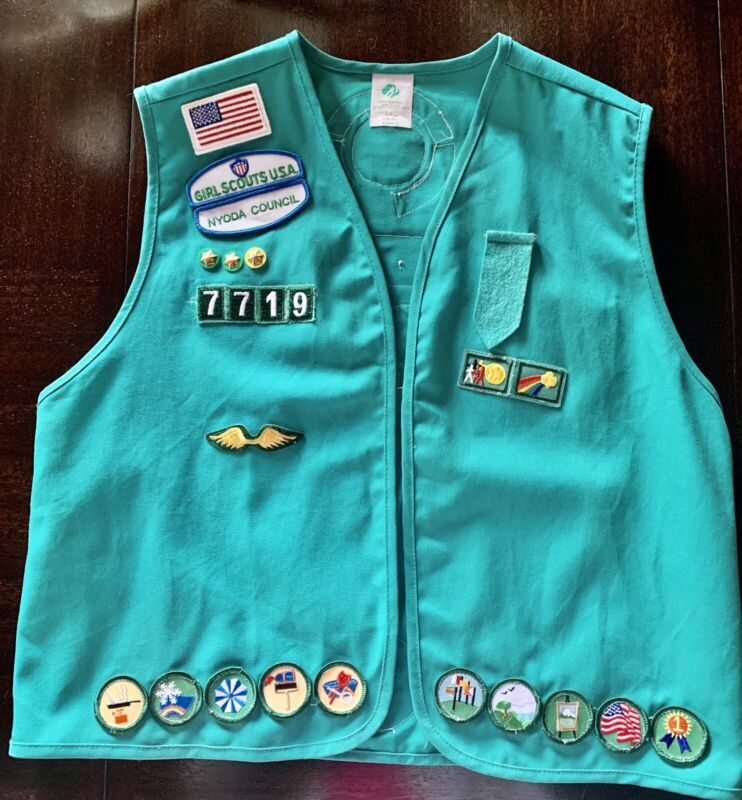 USA Girl Scout Vest With Badges And Patches Size XL Early 2000s Excellent Cond