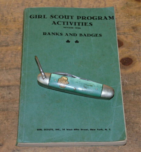 Vintage Girl Scout Kutmaster Pocket Knife & Ranks And Badges Program Book