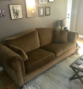 Couch set (Large couch & Love seat)