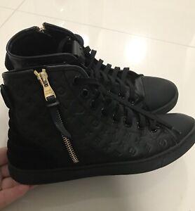 bda9a14dc640 Louis Vuitton Punchy sneaker sz 37.5