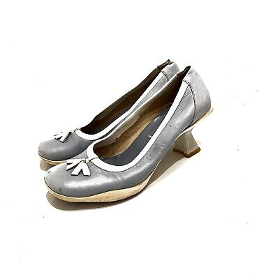 PRADA - VTG Blue Gray Leather White Lined Bow Trim High Heel Loafer Pumps 7.5 38