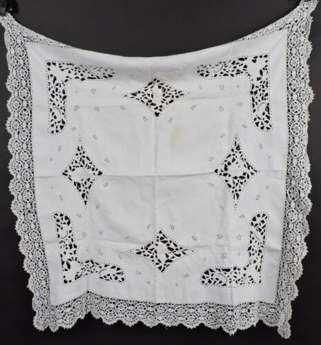 BEAUTIFUL ANTIQUE 19TH C HAND EMBROIDERED CUTWORK FIGURAL LINEN TABLE CLOTH