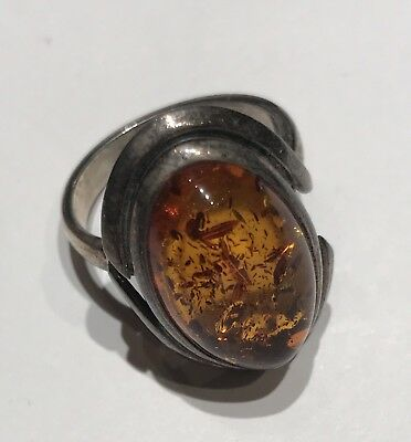 BEAUTIFUL OVAL SHAPED COGNAC AMBER & STERLING SILVER  RING - Sz.8.5 Oval Shape Amber Ring