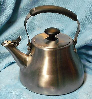 OXO Good Grips Brushed 18/8 Stainless Steel Classic Tea Kettle 1.7 Quart / 1.6 L