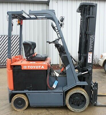 Toyota 7fbcu25 2009 5000 Lbs Capacity Great 4 Wheel Electric Forklift
