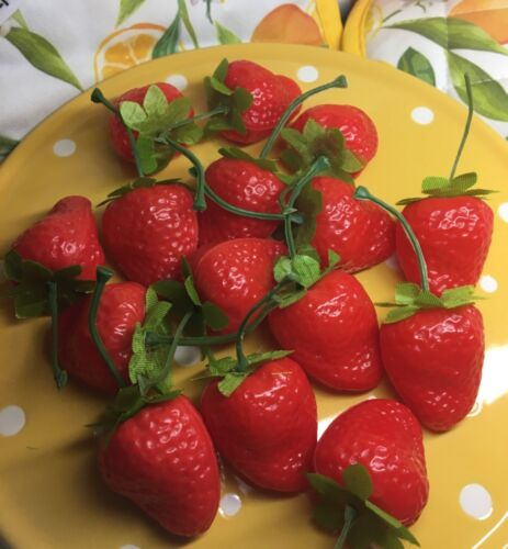 15 Realistic Strawberries & Recipe Book