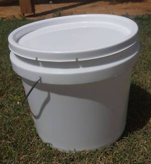 Plastic Buckets with Lids. (Buckets. Pails. Containers.)