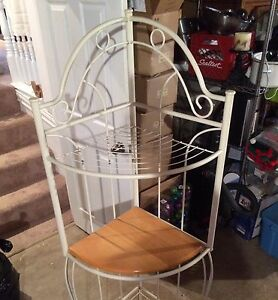 Corner bakers rack need gone ASAP