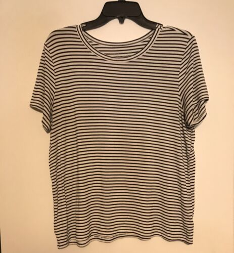 Juniors Large American Eagle Short Sleeve Striped Top - $1.99