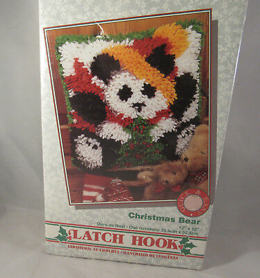 (Caron Latch Hook Kit Christmas Bear 12X12 NIB Pillow)