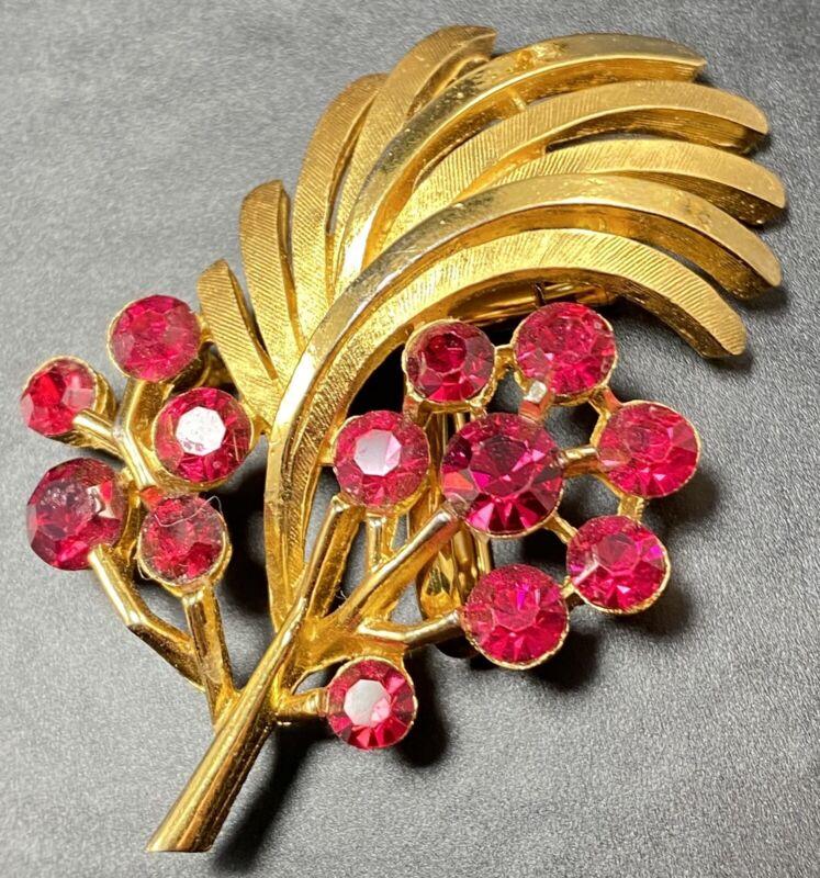 """CROWN TRIFARI Vintage Brooch Pin 2"""" Red Crystal Rhinestones Gold Tone Flower"""
