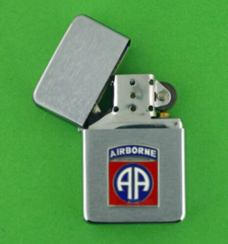 82nd AIRBORNE DIVISION WIND PROOF PREMIUM LIGHTER IN A GIFT BOX  ARMY  BC017