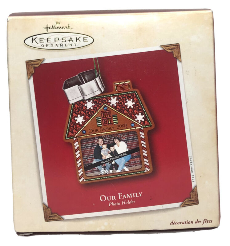 Hallmark Keepsake Our Family Photo Holder Gingerbread w/Cookie Cutter Ornament