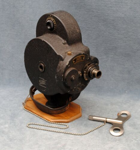 """EARLY BELL & HOWELL 70-A """"AUTOMATIC CINE-CAMERA"""" 16MM MOVIE CAMERA FILMO (#5)"""