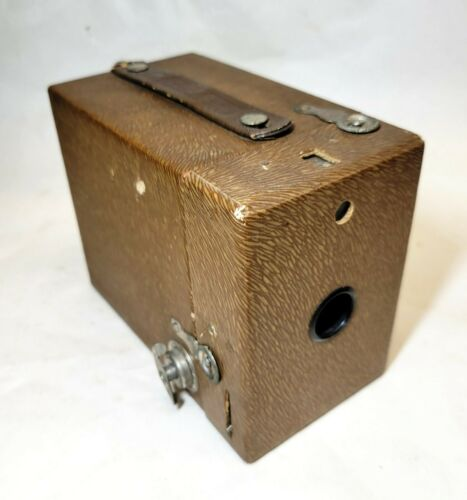 Eastman Kodak vtg RAINBOW HAWK-EYE Box Camera BROWN ZEBRA Stripe No 2 Model C