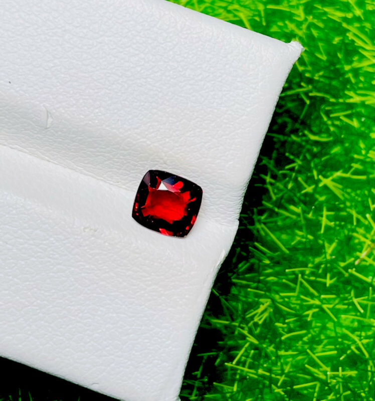 0.66CT NATURAL HOT RICH SPARKLING PIGEON TOP RED BUR-MESE UNHEATED RARE SPINEL