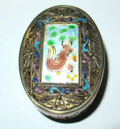 OLD CHINESE SQUIRREL DESIGN SILVER CLOISONNE BLUE ENAMEL TRINKET PILL JAR BOX