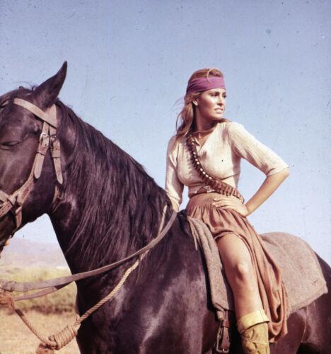 100 RIFLES RAQUEL WELCH SEXY PHOTO ON HORSEBACK
