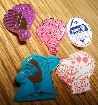 DISCOVERY CENTER PLASTIC PINS( 5-DIFFERENT YEARS, 5-PINS)