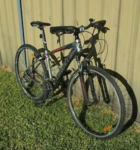Giant Roma 3 Mens / Boys Bicycle Mountain Bike As New RRP $650