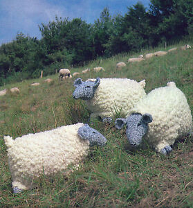 KNIT YOUR OWN LARGE SHEEP KNITTING PATTERN CUSHIONS     UNUSUAL  FARM     (317)
