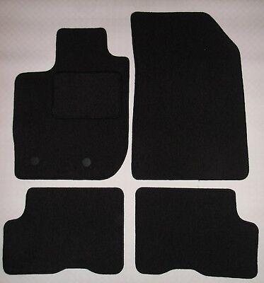 tapis sol duster d occasion plus que 3 60. Black Bedroom Furniture Sets. Home Design Ideas