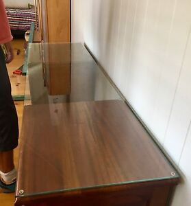Glass table / desk top piece Hawthorne Brisbane South East Preview