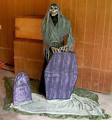 Brand New Animated Graveyard Reaper Halloween Prop