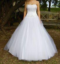 Wedding dress Thornton Maitland Area Preview