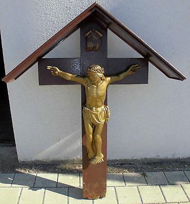 wegkreuz grab kreuz alt feldkreuz kruzifix heiland jesus geschnitzt inri ca1950