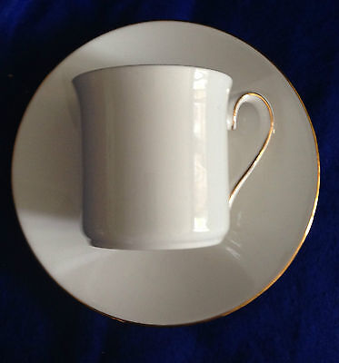 QUEEN'S WHITE AND GOLD COFFEE CUPS AND SAUCERS x 8
