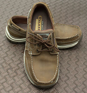 Skechers relaxed fit shoes with memory foam  Size 8
