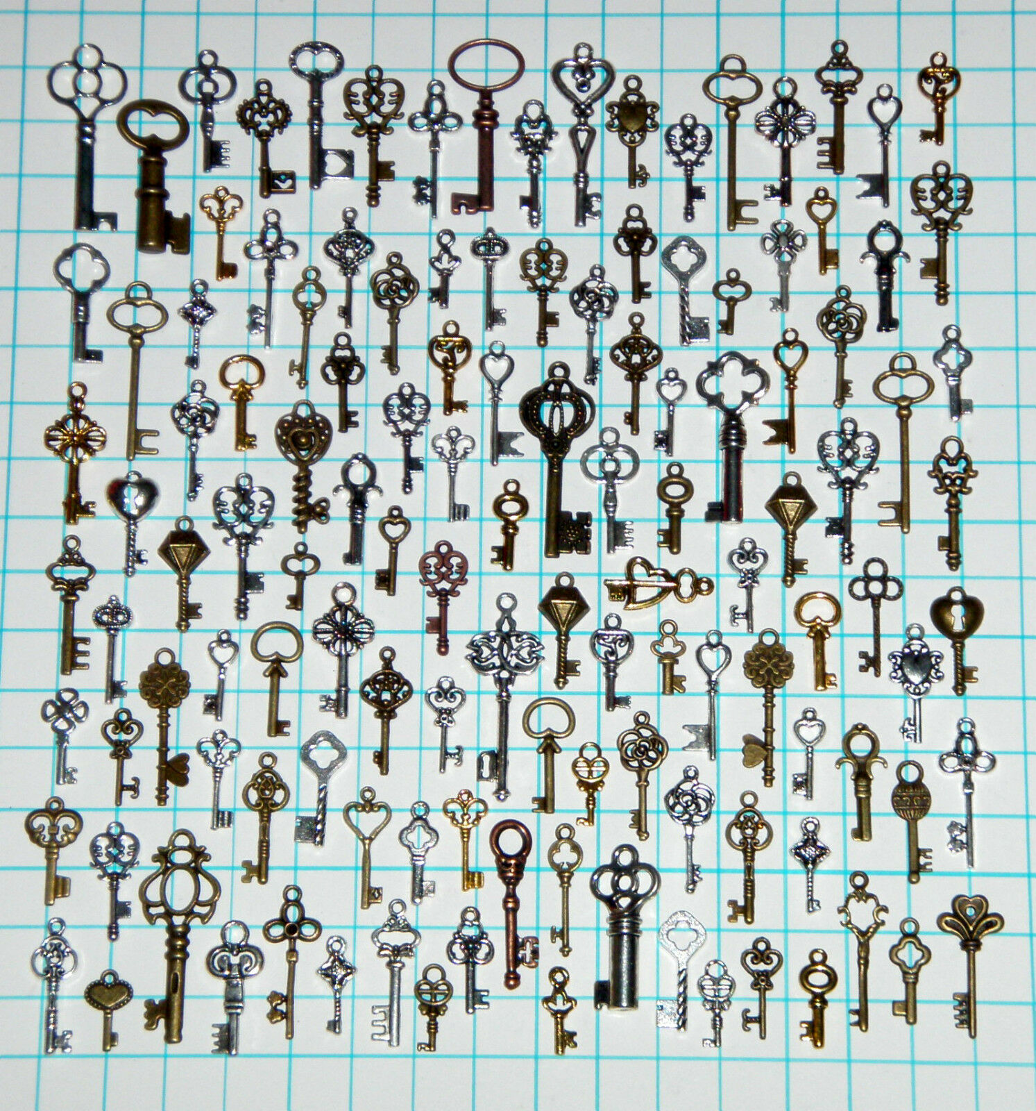 125 Antique Vtg old look Ornate Skeleton Keys Lot Pendant Fancy Heart Bow Favors