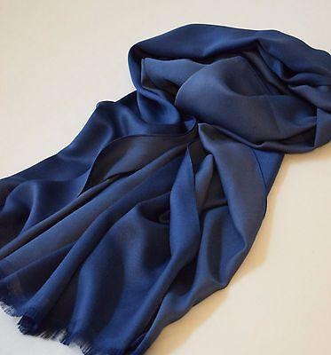 Edler Schal für Herren, Dunkelblau + Blaugrau, lässige Eleganz mit 100 % Seide